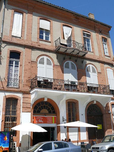 Photo du Monument Historique Immeuble, ancien hôtel Debia situé à Montauban