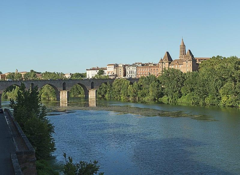 Photo du Monument Historique Ancien pont situé à Montauban