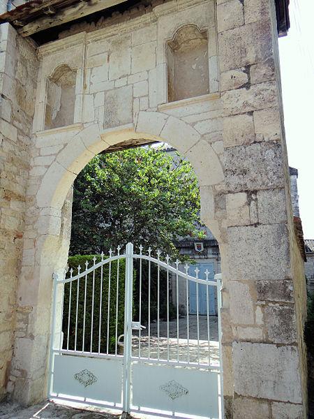Photo du Monument Historique Ancien couvent des Ursulines situé à Montpezat-de-Quercy