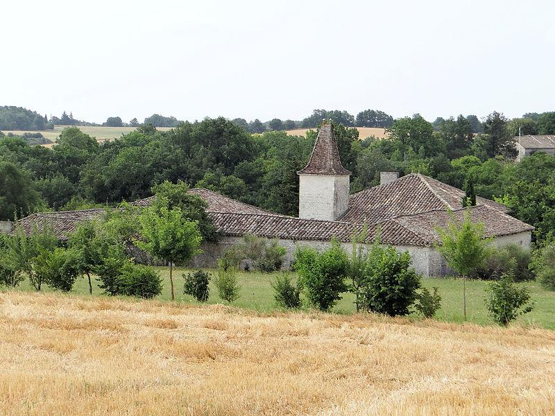 Photo du Monument Historique Ancienne ferme de Ratelle situé à Belvèze