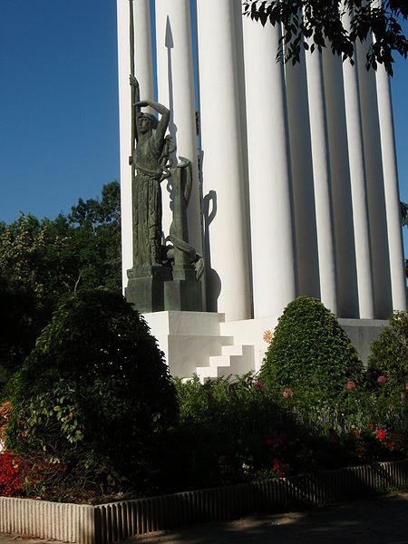 Photo du Monument Historique Monument aux morts de la guerre de 1914 - 1918 situé à Montauban