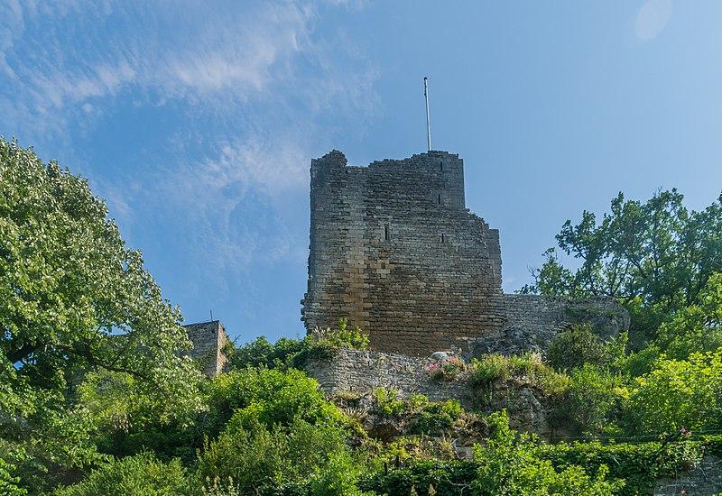 Photo du Monument Historique Château situé à Caylus