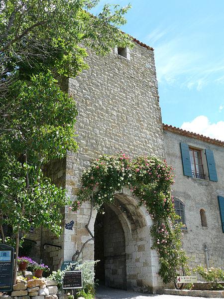 Photo du Monument Historique Remparts situé à Bargème