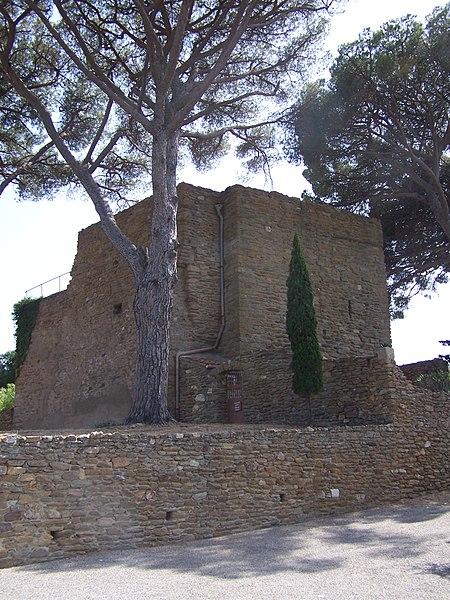 Photo du Monument Historique Château des Seigneurs de Foz (restes) situé à Bormes-les-Mimosas