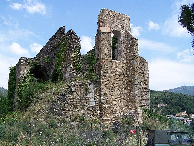 Photo du Monument Historique Ruines de l'ancienne église Saint-Pons situé à Collobrières
