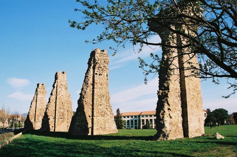 Photo du Monument Historique Aqueduc antique (restes de l') situé à Fréjus
