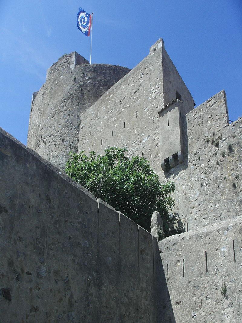 Photo du Monument Historique Château Sainte-Agathe situé à Hyères