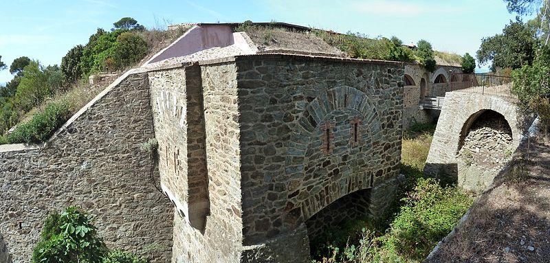 Photo du Monument Historique Fort de la Repentance situé à Hyères
