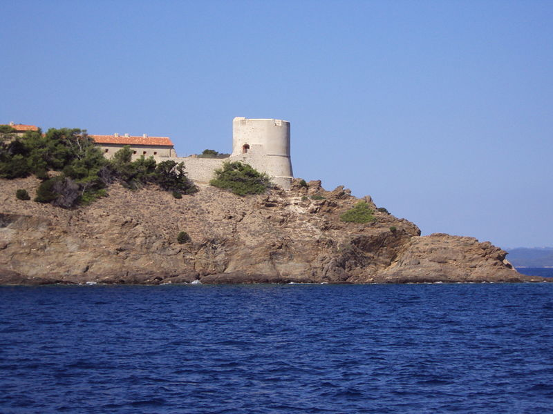 Photo du Monument Historique Fort de Port Man anciennement appelé batterie de Port Man situé à Hyères