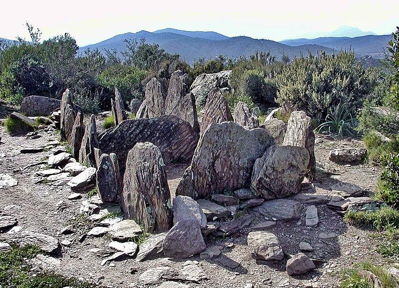 Photo du Monument Historique Dolmen de Gauttobry situé à La Londe-les-Maures