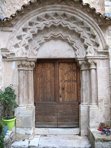 Photo du Monument Historique Eglise situé à Ollières