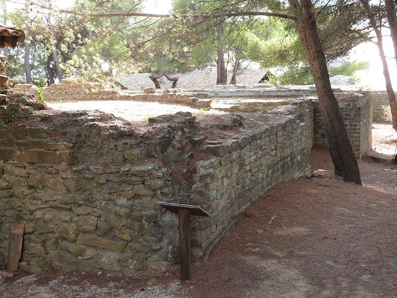Photo du Monument Historique Enclos de la Madrague situé à Saint-Cyr-sur-Mer