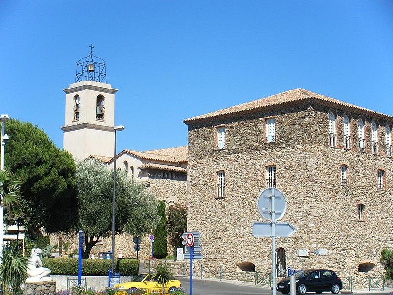 Photo du Monument Historique Tour carrée situé à Sainte-Maxime