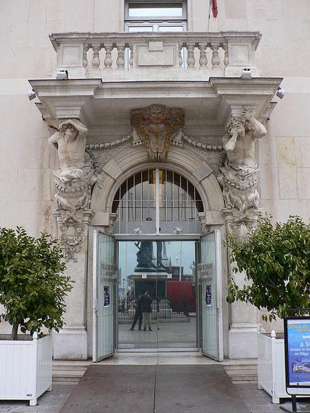 Photo du Monument Historique Ancien Hôtel de ville, actuellement office de tourisme situé à Toulon