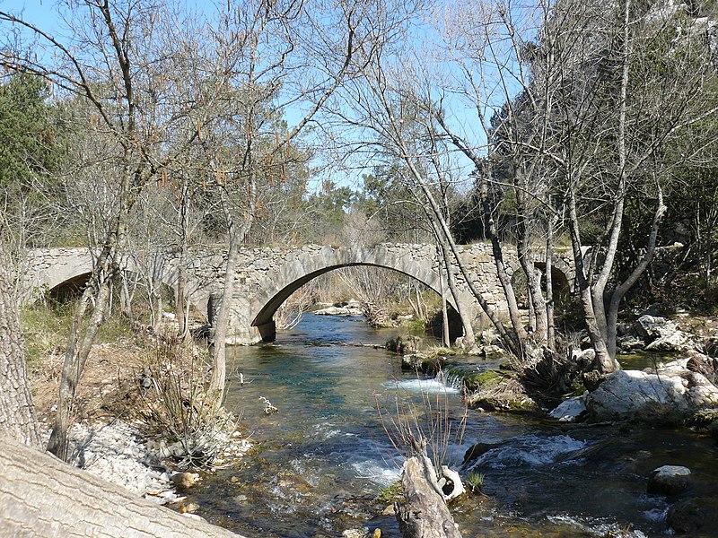Photo du Monument Historique Pont situé sur le ruisseau Caramy situé à Tourves