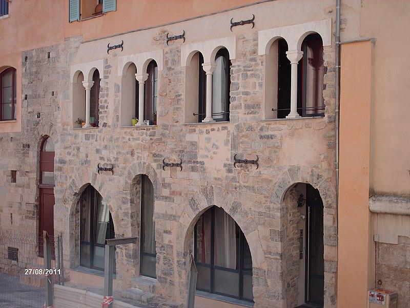 Photo du Monument Historique Maisons médiévales situé à Draguignan