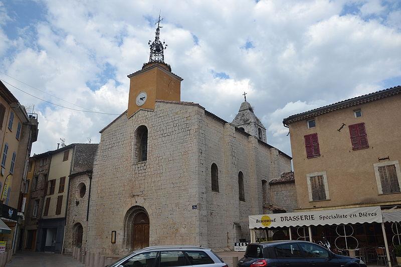 Photo du Monument Historique Église paroissiale Saint- Pierre situé à Salernes