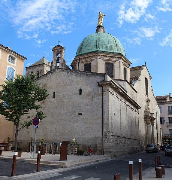 Photo du Monument Historique Cathédrale Sainte-Anne situé à Apt