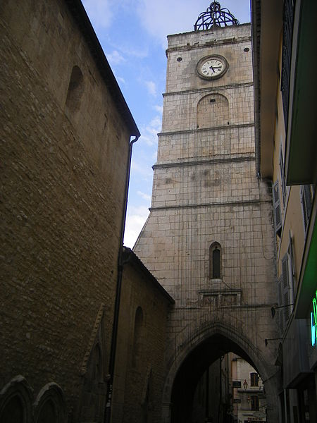 Photo du Monument Historique Tour de l'Horloge situé à Apt