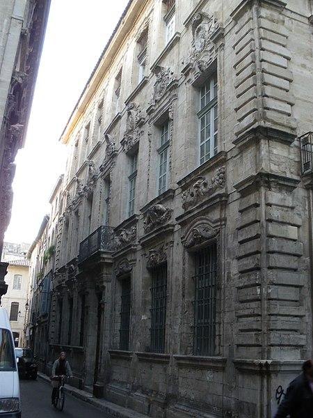 Photo du Monument Historique Hôtel Crillon situé à Avignon