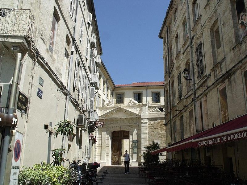 Photo du Monument Historique Hôtel des Crochans situé à Avignon