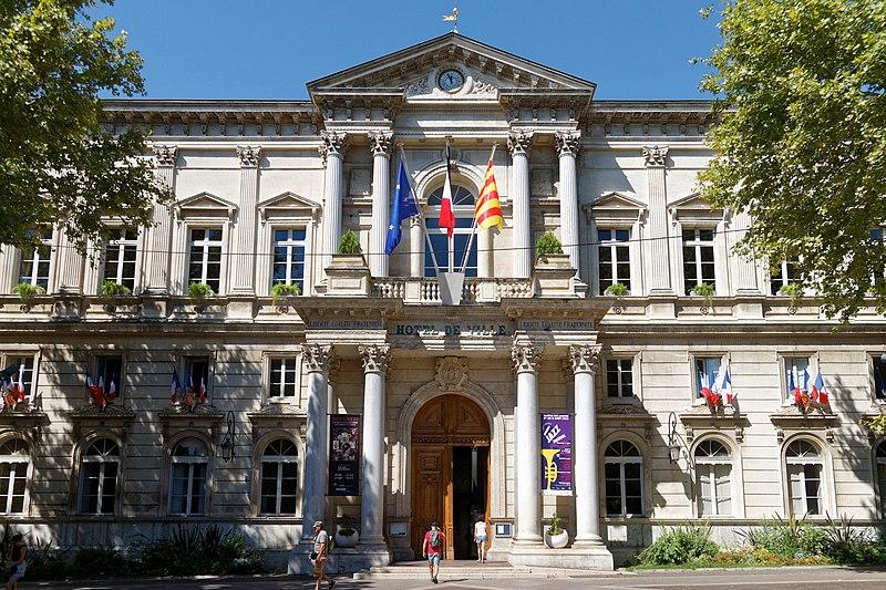 Photo du Monument Historique Hôtel de ville situé à Avignon