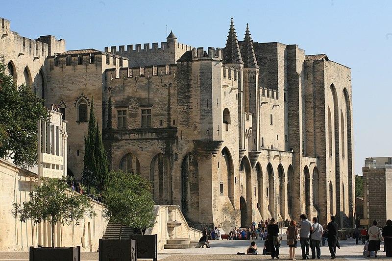 Photo du Monument Historique Palais des Papes situé à Avignon
