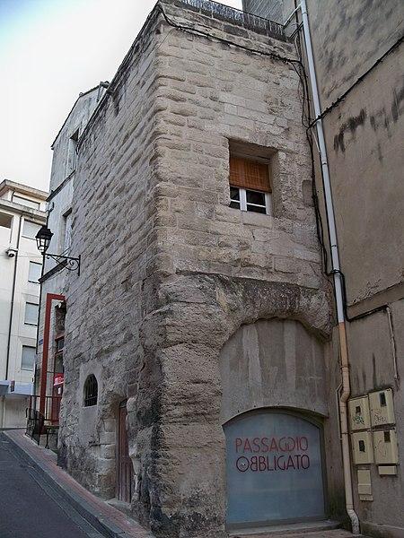 Photo du Monument Historique Tour de la Madeleine situé à Avignon
