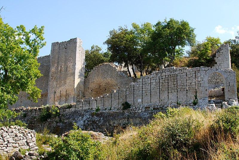 Photo du Monument Historique Fort (vestiges du) situé à Buoux