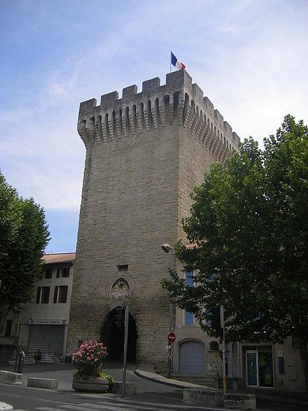 Photo du Monument Historique Porte d'Orange situé à Carpentras