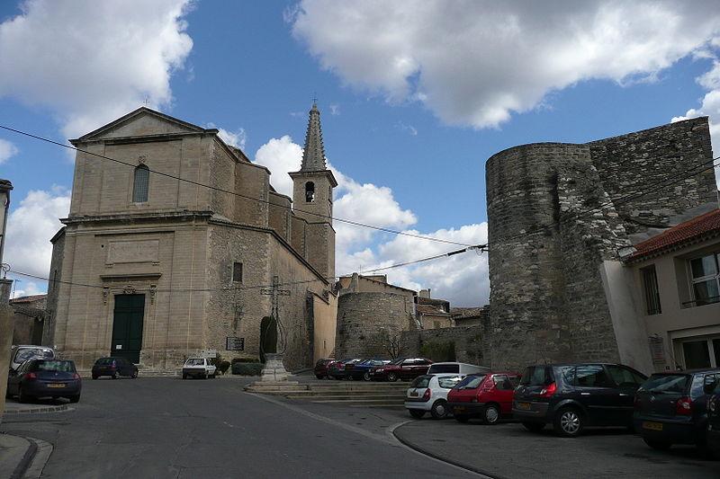 Photo du Monument Historique Eglise Saint-Symphorien situé à Caumont-sur-Durance