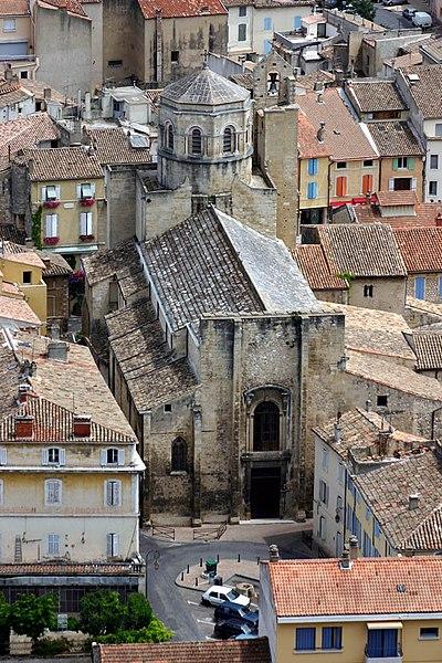 Photo du Monument Historique Ancienne cathédrale, puis église paroissiale Saint-Véran situé à Cavaillon