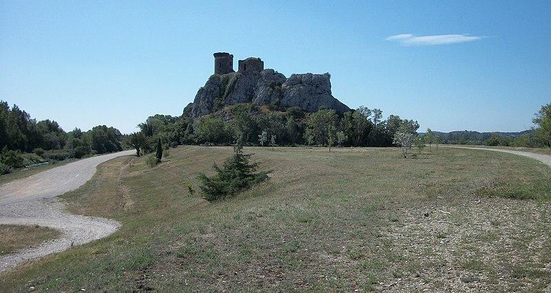 Photo du Monument Historique Château de l'Hers ou de l'Airs (ruines) situé à Châteauneuf-du-Pape