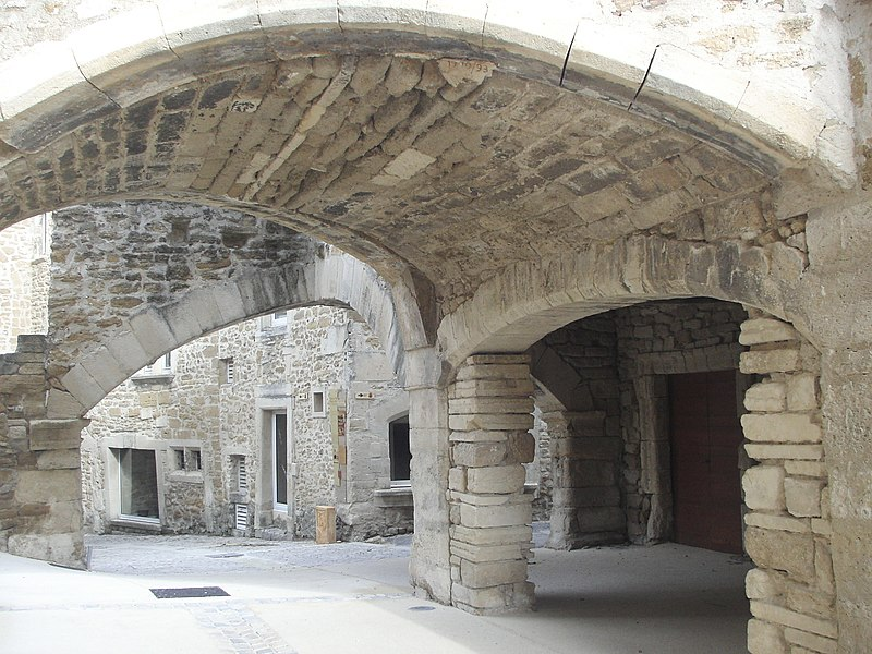 Photo du Monument Historique Village dit le Vialle situé à Grillon
