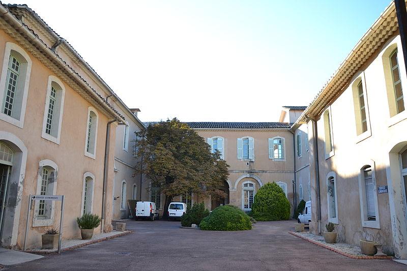Photo du Monument Historique Hôpital-hospice situé à L'Isle-sur-la-Sorgue