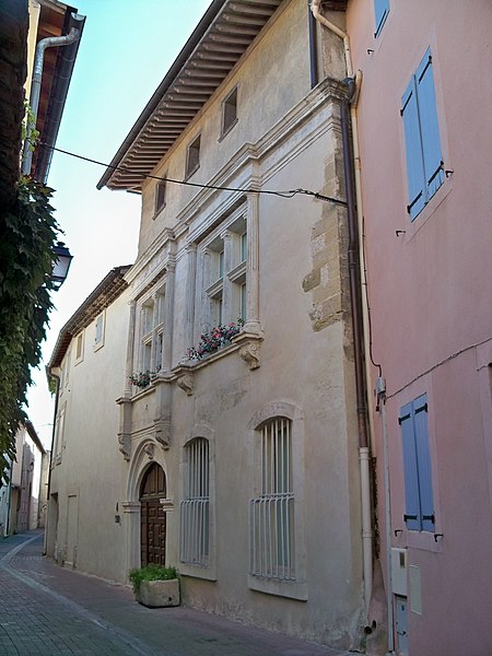 Photo du Monument Historique Maison Renaissance situé à L'Isle-sur-la-Sorgue