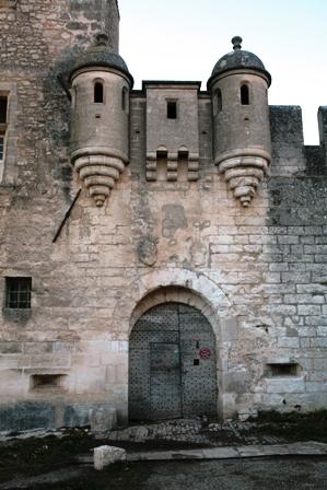 Photo du Monument Historique Château de Javon situé à Lioux