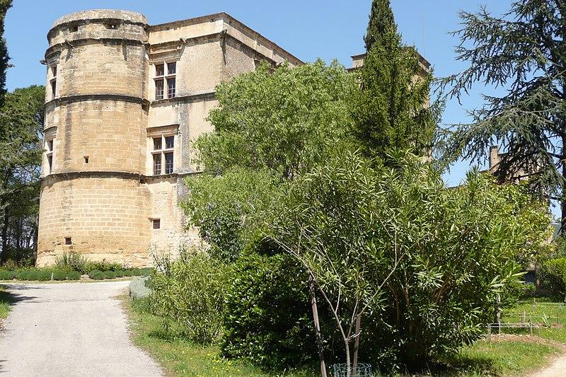 Photo du Monument Historique Château situé à Lourmarin