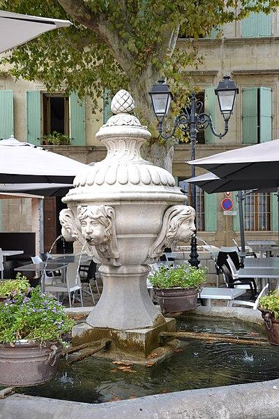 Photo du Monument Historique Fontaine publique du 18s situé à Orange
