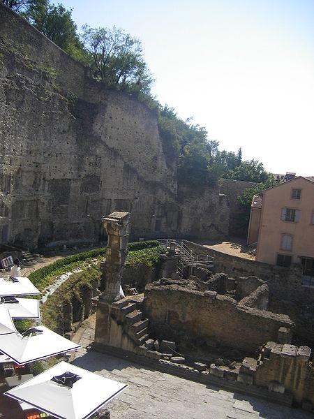 Photo du Monument Historique Forum romain autrefois identifié comme Gymnase romain situé à Orange