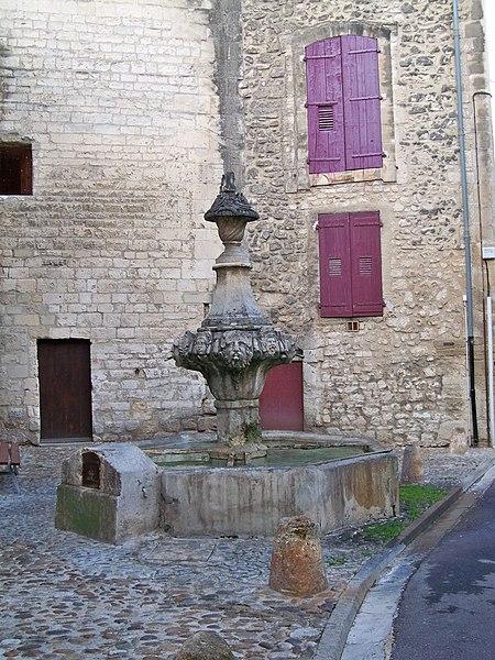 Photo du Monument Historique Fontaine du Gigot situé à Pernes-les-Fontaines