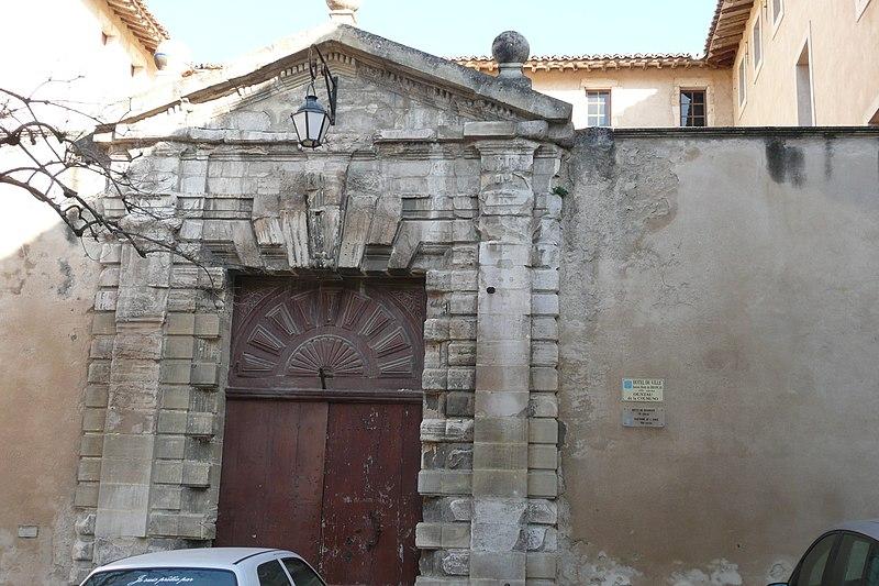 Photo du Monument Historique Hôtel de ville, ancien hôtel de Brancas-Cheilus situé à Pernes-les-Fontaines