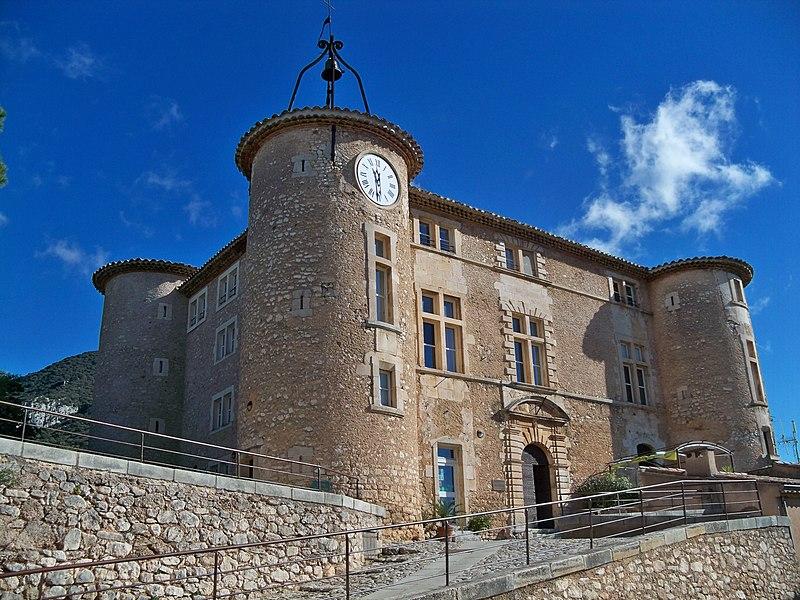 Photo du Monument Historique Château de Rustrel situé à Rustrel