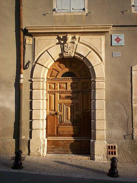 Photo du Monument Historique Maison Allemand situé à Saint-Saturnin-lès-Apt