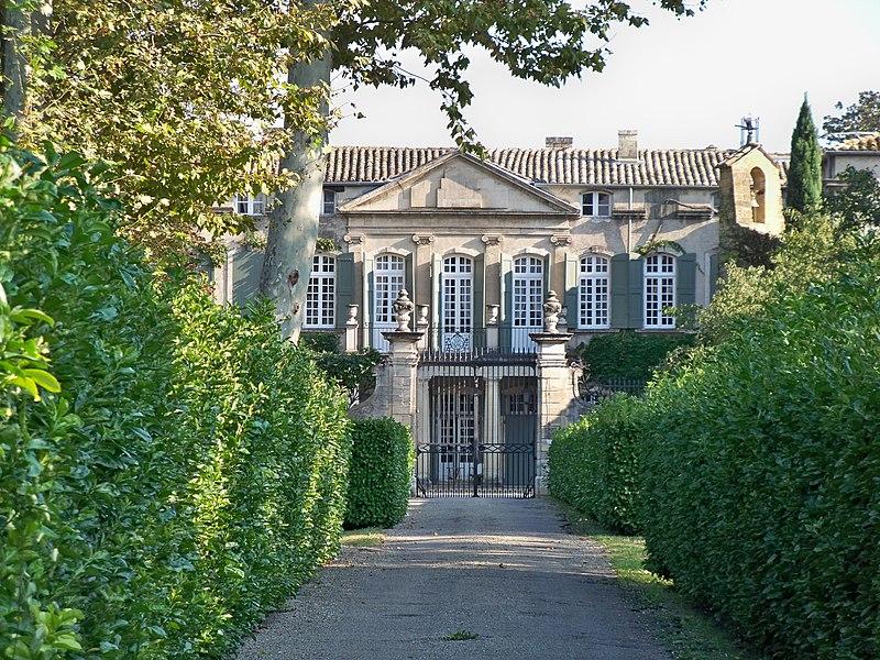 Photo du Monument Historique Château de Brantes situé à Sorgues