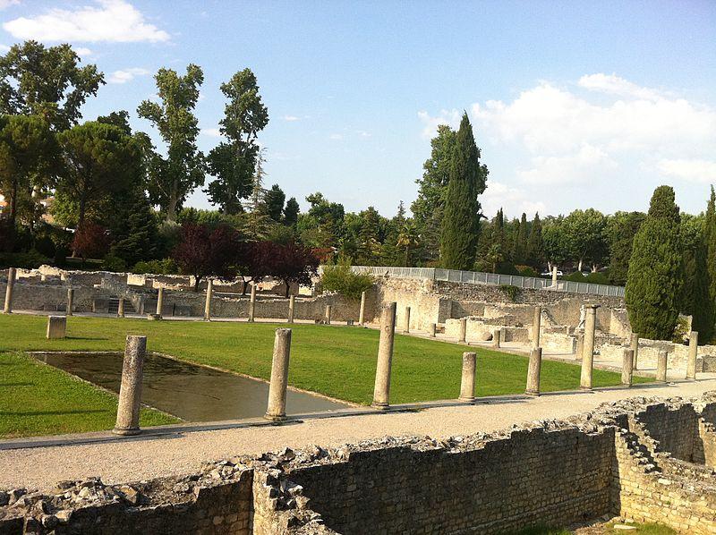 Photo du Monument Historique Thermes gallo-romains du Nord (vestiges) situé à Vaison-la-Romaine