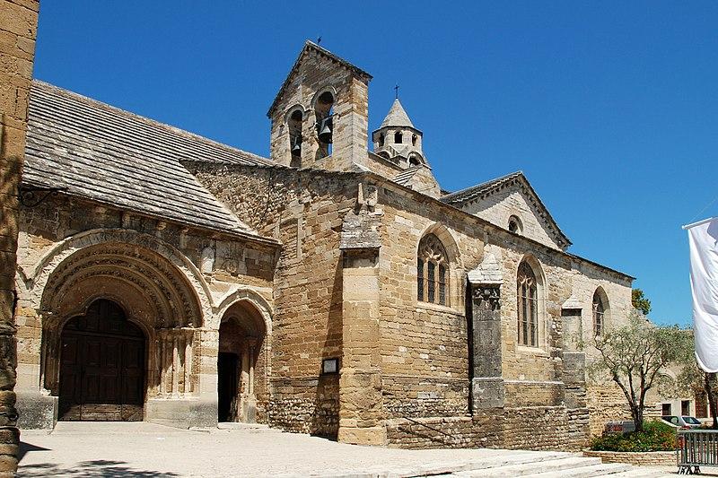 Photo du Monument Historique Eglise paroissiale Notre-Dame-de-Nazareth situé à Valréas