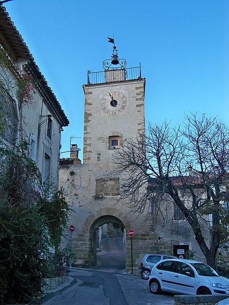 Photo du Monument Historique Porte-Beffroi situé à Vedène