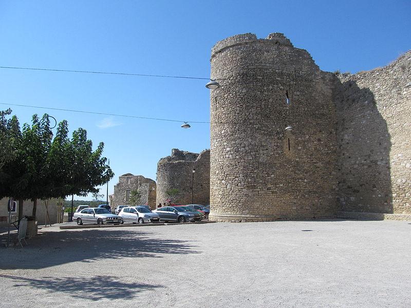 Photo du Monument Historique Enceinte romaine situé à Venasque