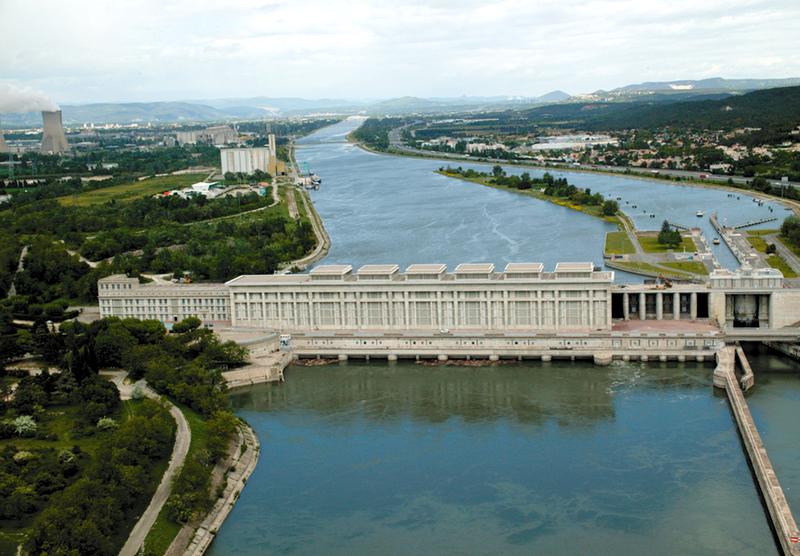 Photo du Monument Historique Usine-barrage André-Blondel situé à Bollène